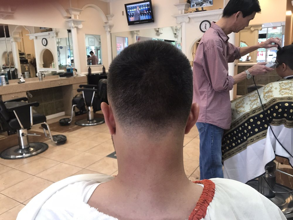 Cascade Barbershop: 21950 Cascades Pkwy, Sterling, VA