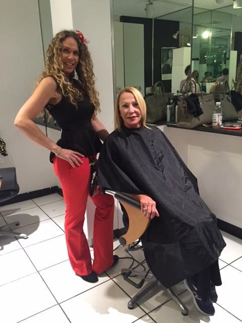 Posh for hair coiffeurs salons de coiffure 271 s for Samantha oups au salon de coiffure