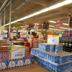 A j seabra supermarket 17 photos grocery 256 272 for Fish market newark nj