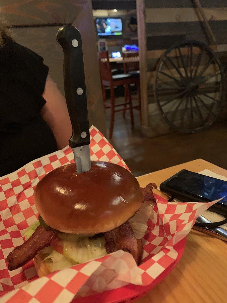 Dick Weed's Bar & Grill: 6303 Lake Isabella Blvd, Lake Isabella, CA