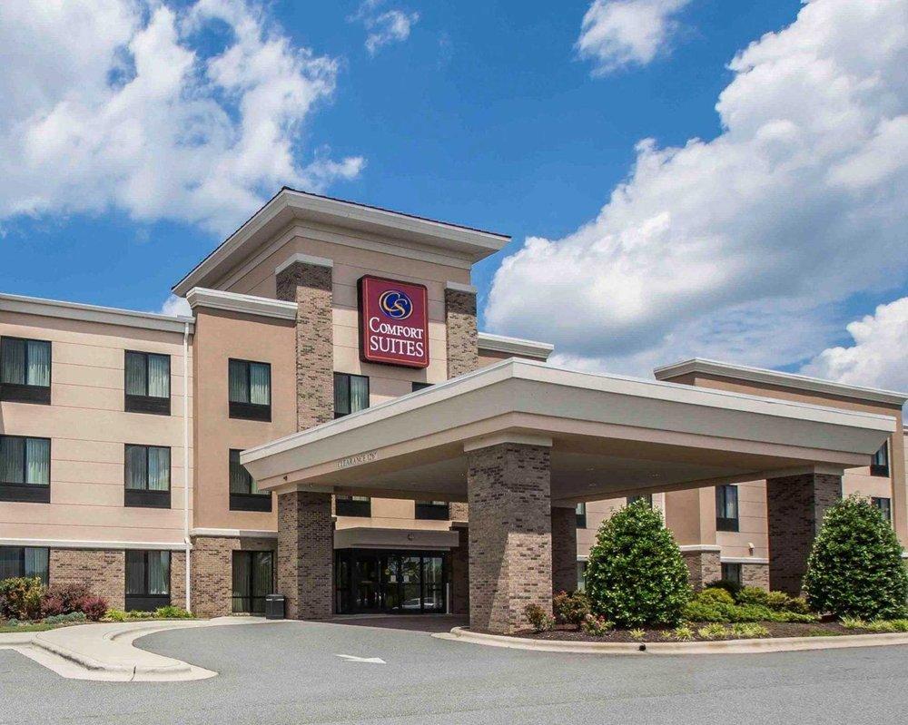 Comfort Suites Whitsett Greensboro East 31 Photos Hotels 1102 Sedalia Crossing Lane Nc Phone Number Yelp