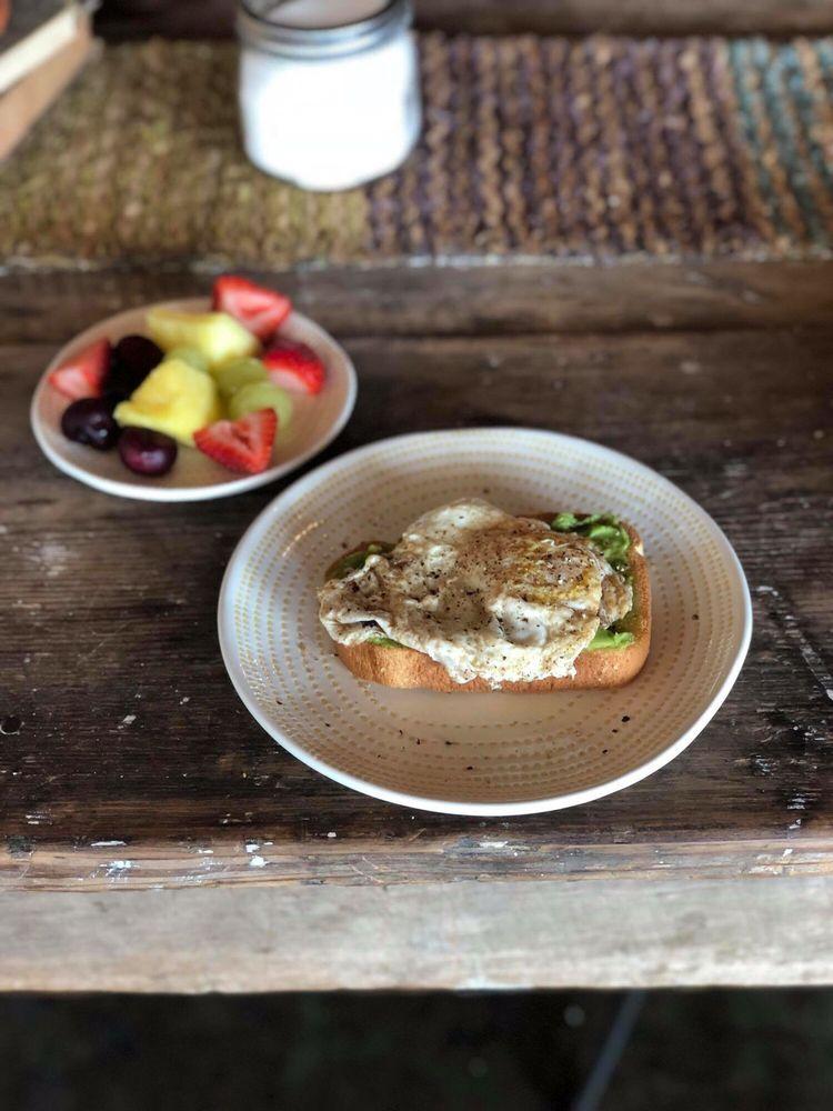Bread and Butter: 129 Public Square, Batesville, MS