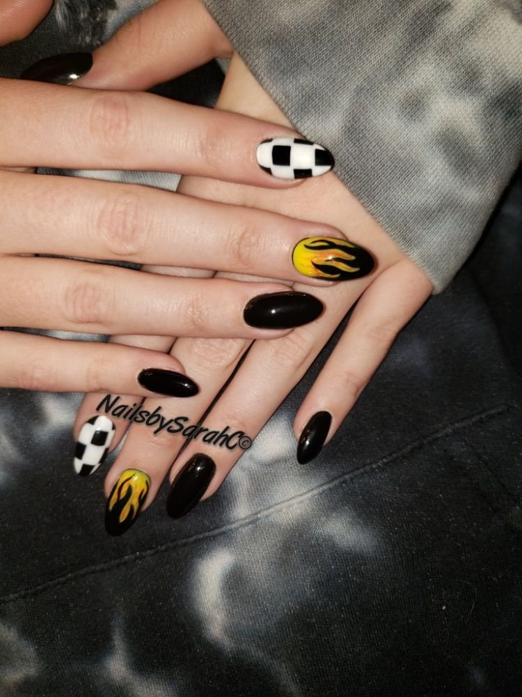 Nails By Sarah C: 1350 Plaza Blvd, Central Point, OR