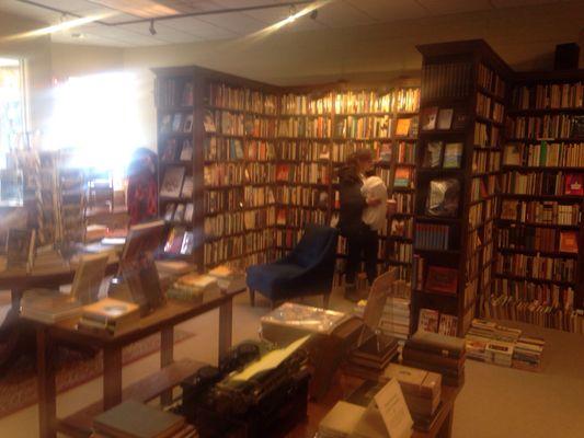The Dusty Bookshelf 708 Massachusetts St Lawrence KS Book Stores