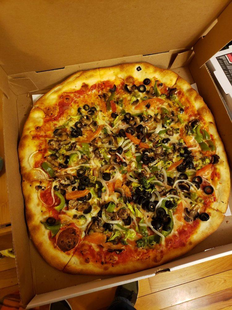 Hampton Pizza: 150 Route 31 N, Hampton, NJ