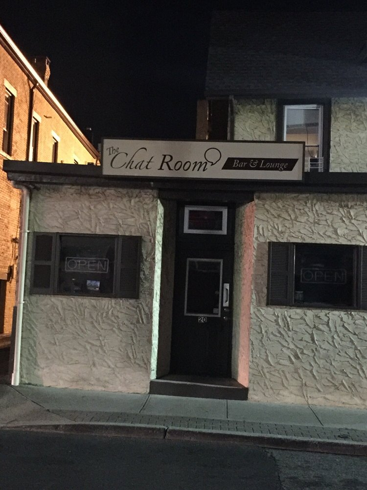 The Chat Room: 20 Chestnut St, Suffern, NY