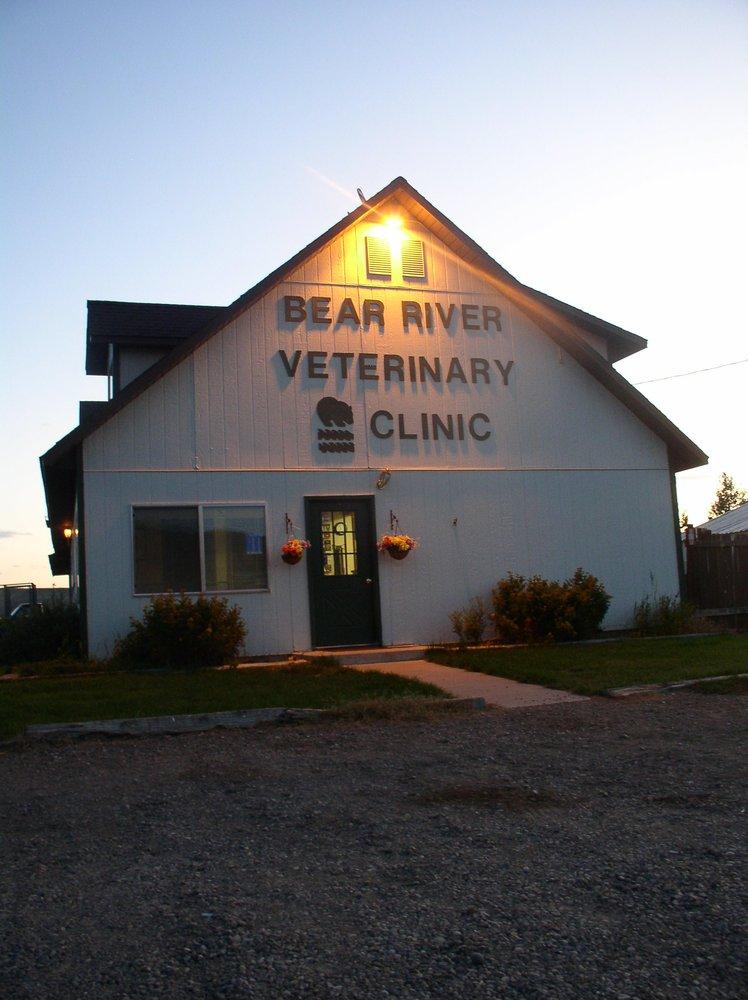 Bear River Veterinary Clinic: 619 Almy Rd 107, Evanston, WY