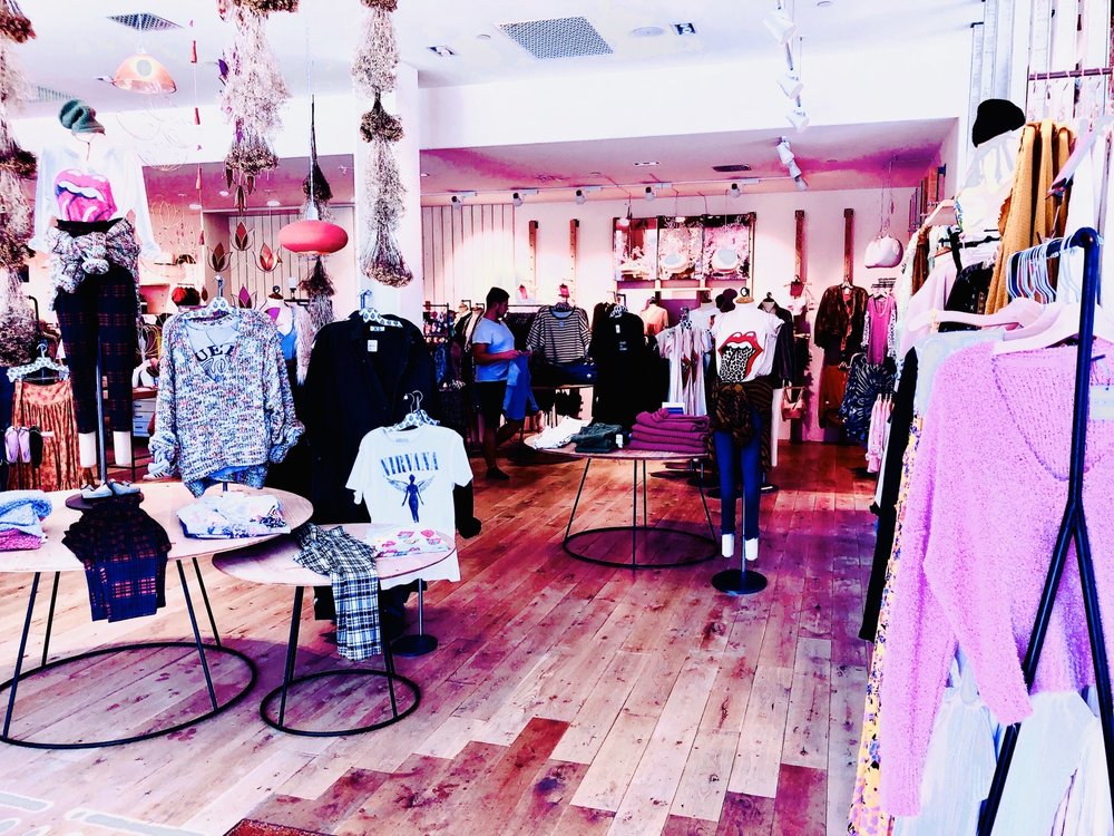 Free People: 175 N Palm Canyon Dr, Palm Springs, CA