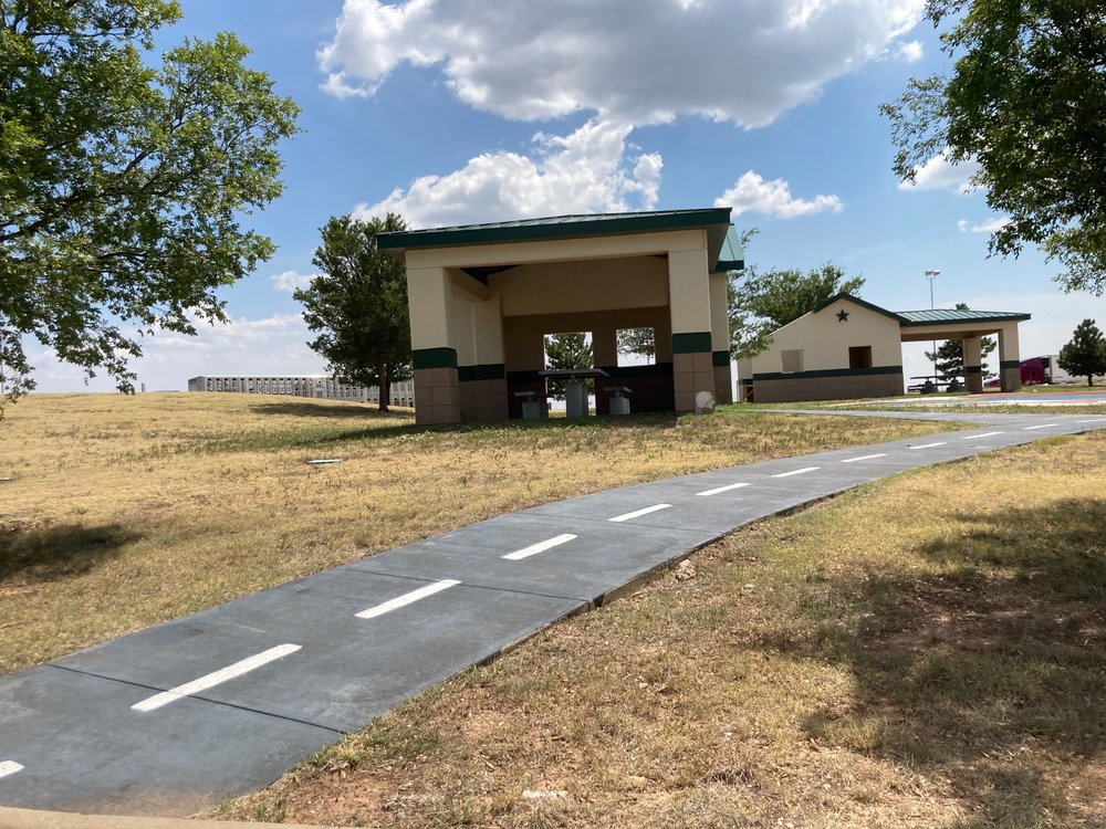 Route 66 Rest Area: 12670 I-40, Clarendon, TX