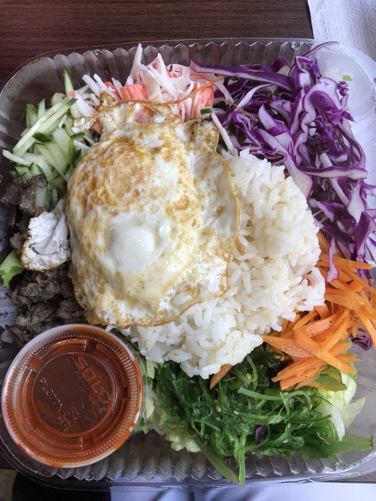 Uptown Cafe: 22970 Indian Creek Dr, Sterling, VA