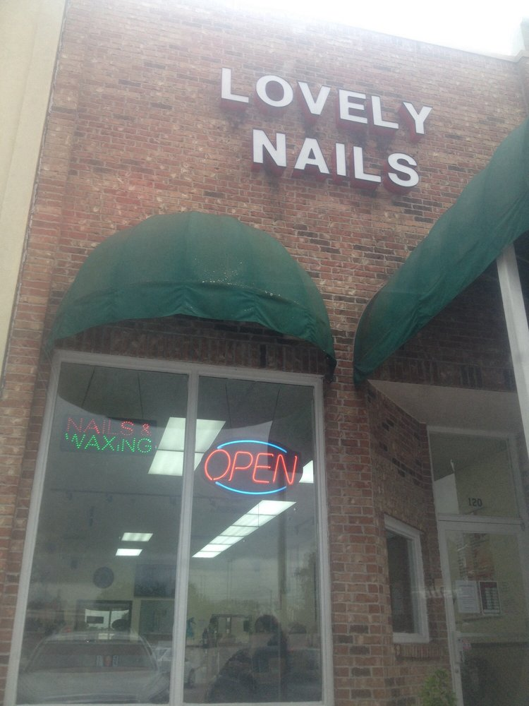 Lovely Nails: 398 Hwy 51, Ridgeland, MS