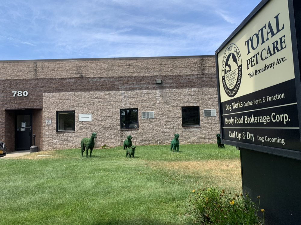 Total Pet Care: 780 Broadway Ave, Holbrook, NY