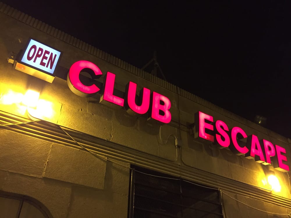 Club Escape: 1530 E 75th St, Chicago, IL
