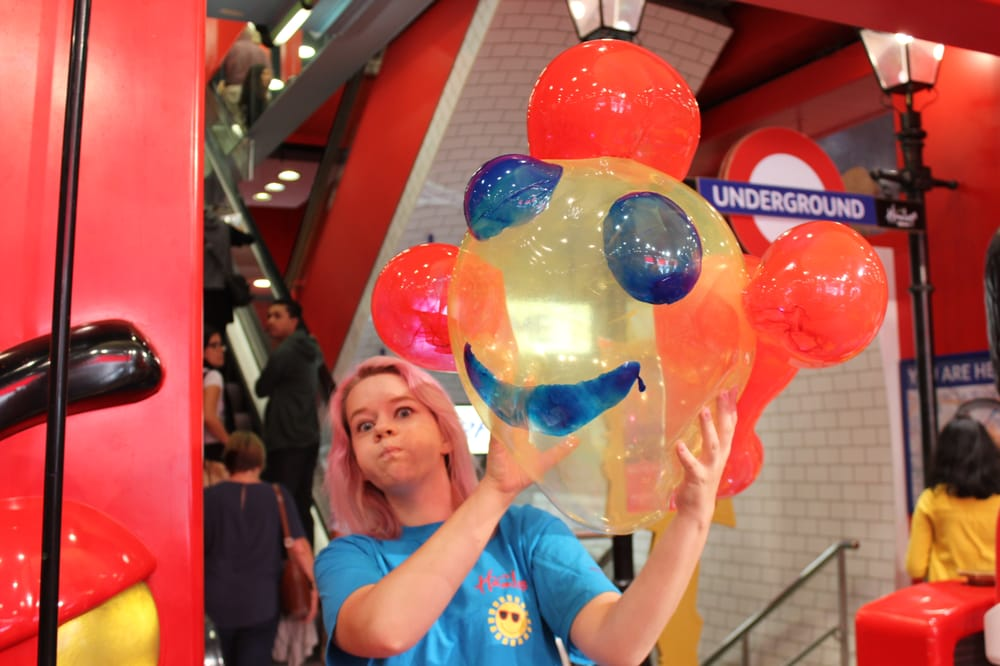 hamleys positioning Toy shop hamleys has failed to find a buyer after a three-month search by its bankers hamleys' search for a buyer ends in tears jill treanor thu 22 feb 2001 2101 est when its position was far more difficult and it was forced to consider any offer.