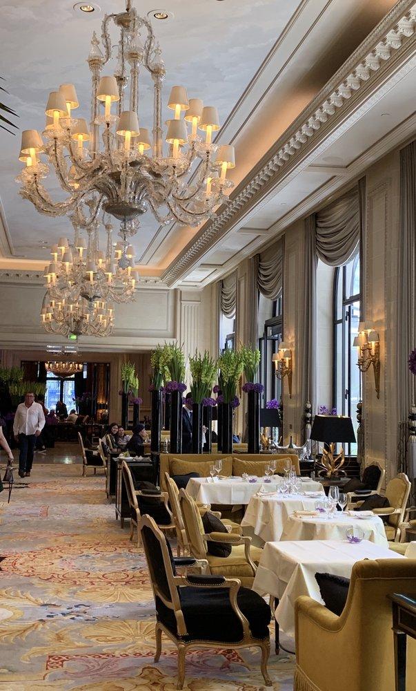 Four Seasons Hôtel George V