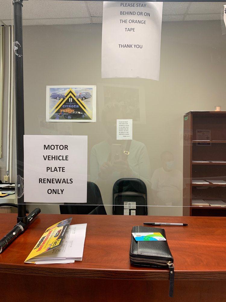 Des Peres License Office DMV: 1080 Old Des Peres Rd, Saint Louis, MO
