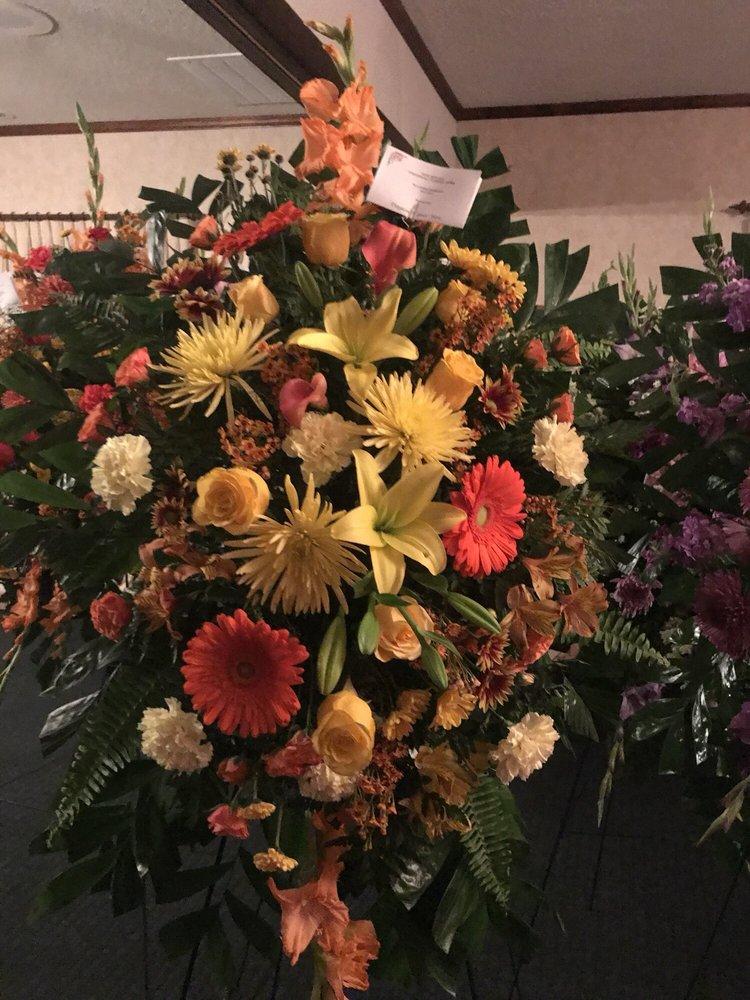 Dayton Flower Box: 1548 Market St, Dayton, TN