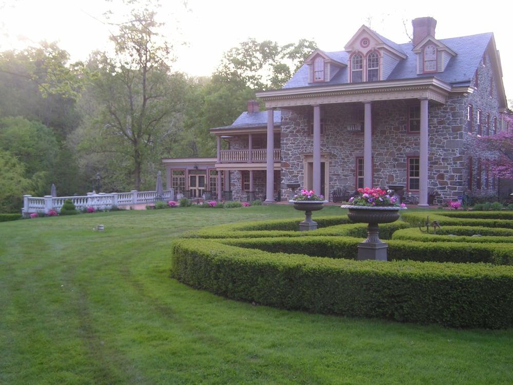 Moonstone Manor: 2048 Zeager Rd, Elizabethtown, PA