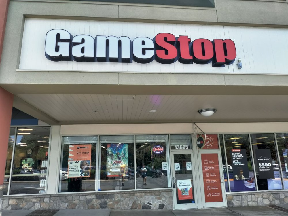 Game Stop: 13605 Connecticut Ave, Silver Springs, MD