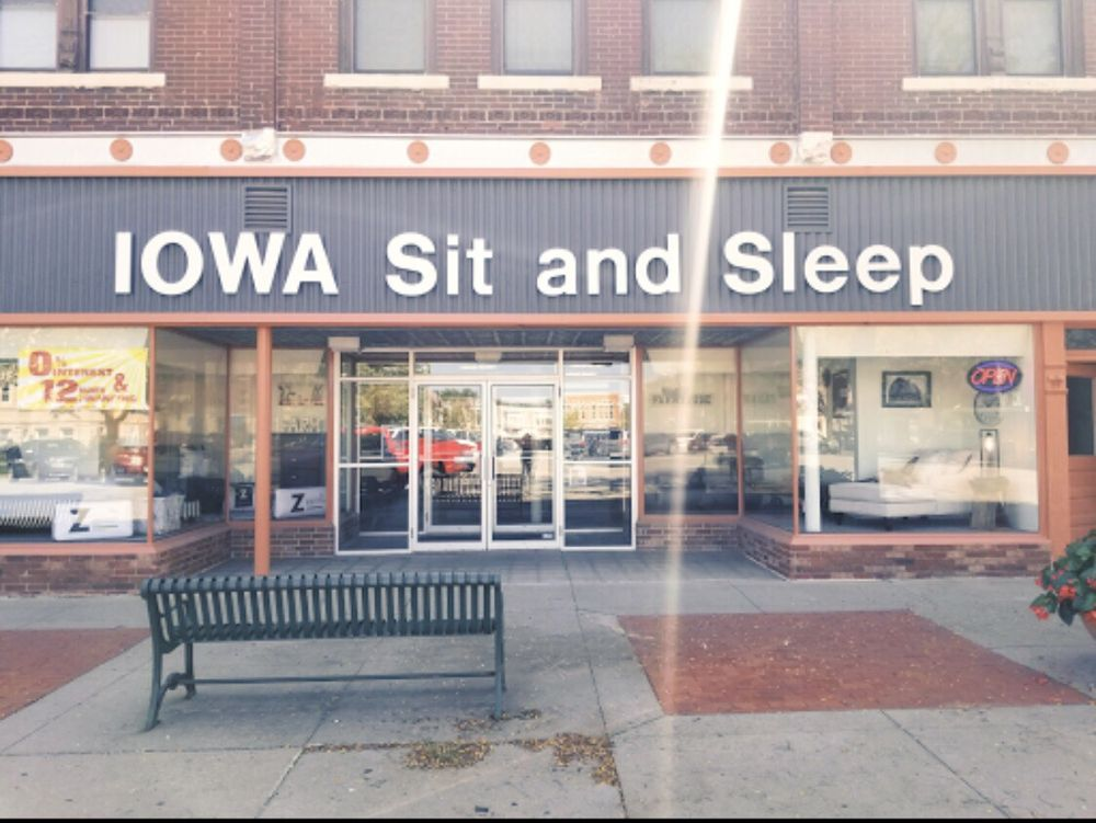 Iowa Sit and Sleep: 112 W Jackson St, Centerville, IA