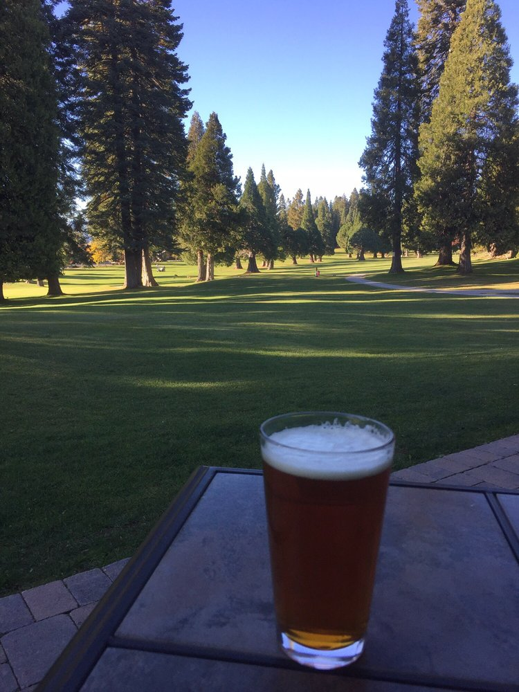 Sugar Pine Lounge: 951 Clifford Dr, Lake Almanor Country Club, CA