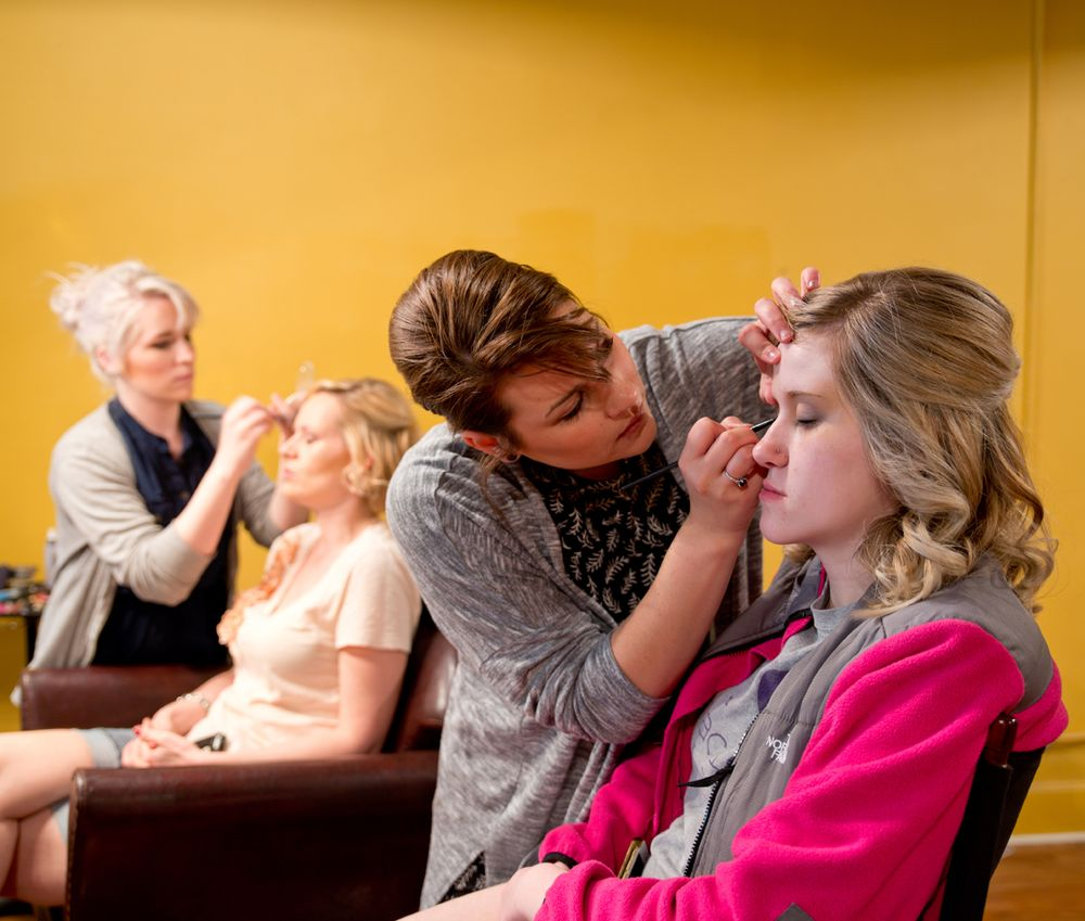 Pin Up Salon: 219 E Commercial St, Springfield, MO