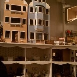 Tiny Doll House in New York | Tiny Doll House 314 E 78th ...