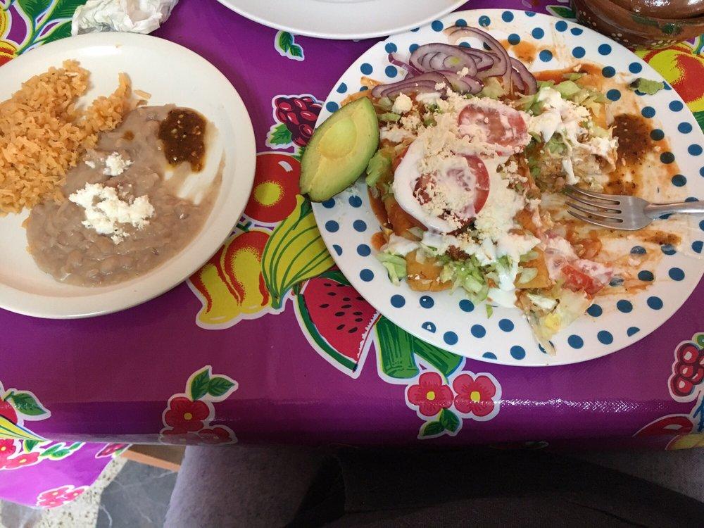 El Sazón De Mamá: Avenida Juárez 240, Tecate, BCN