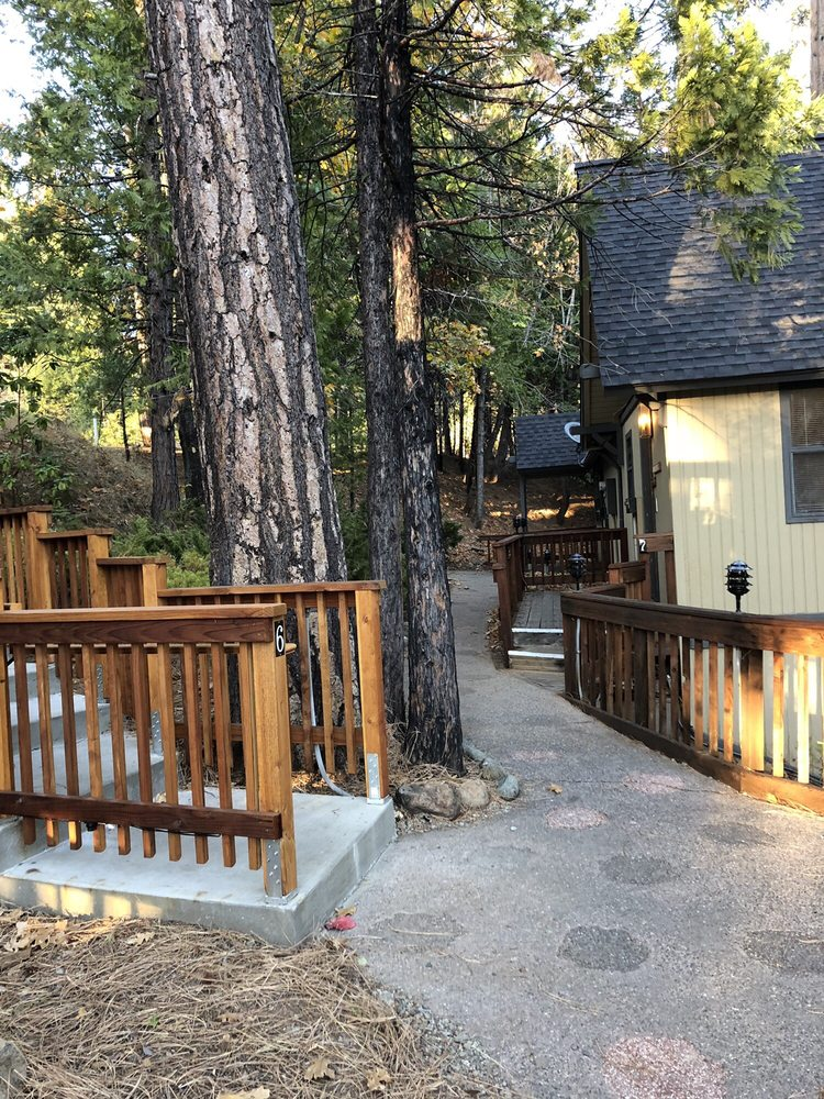 Mountain Retreat Co: 936 Cypress Point Dr, Arnold, CA