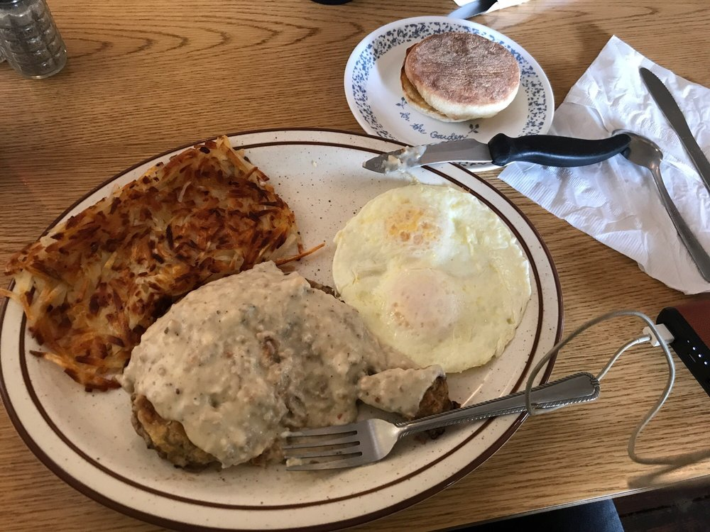 Cottage Cafe & Grill: 210 E Main St, Rogue River, OR