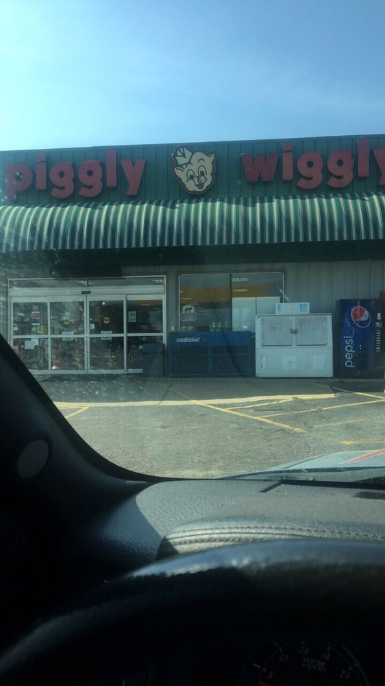 Piggly-Wiggly Cairo: 1150 US Highway 84 W, Cairo, GA