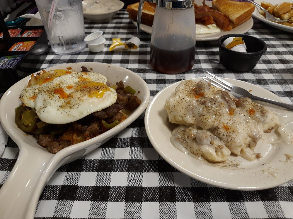 Uncle Bubba's Grillhouse: 605 W Broad St, Mineola, TX