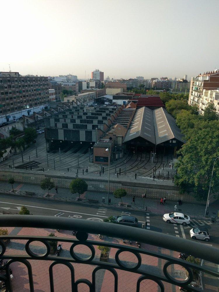 Jard n metropolitano cocina europea moderna av de la reina victoria 12 tetu n madrid - Restaurante jardin metropolitano ...
