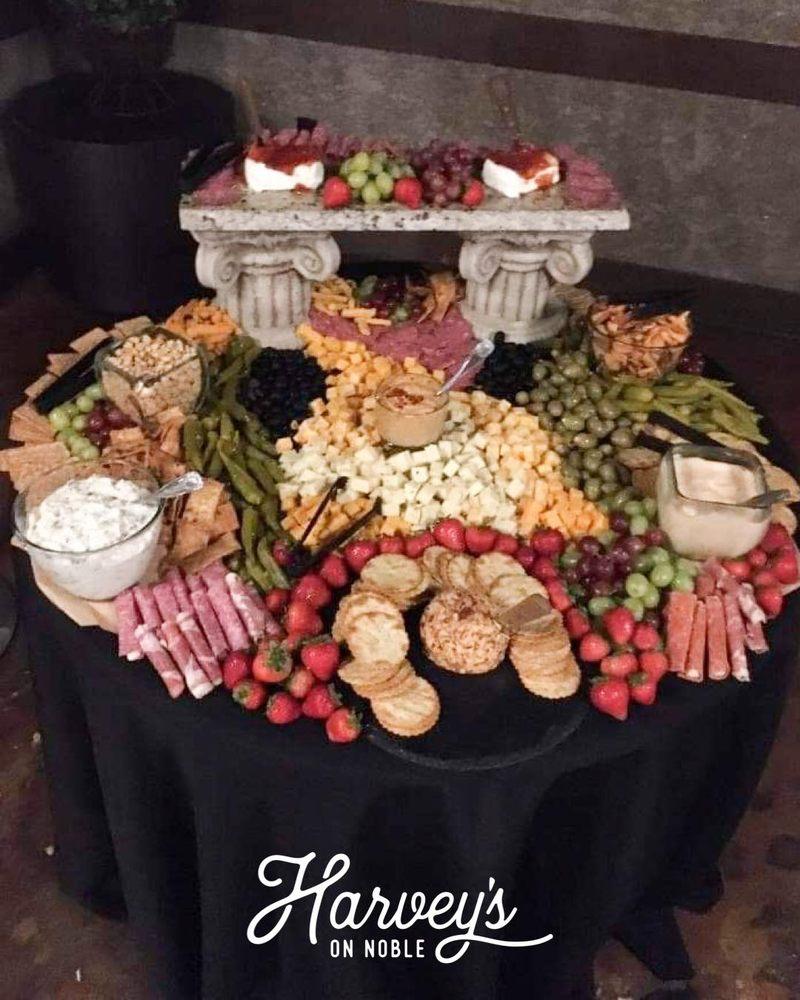 Harvey's On Noble: 280 N Anniston Ave, Sylacauga, AL