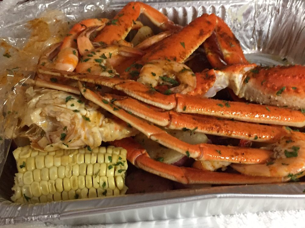 Williams Seafood and Soul Food: 100 Francis St, Walterboro, SC