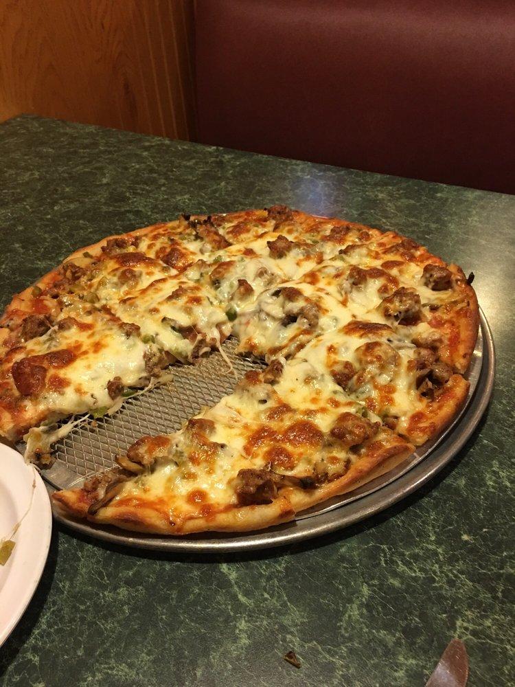 Peru Pizza House Restaurant: 1702 4th St, Peru, IL