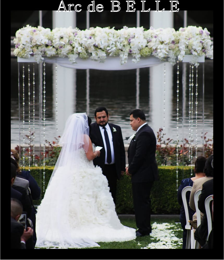 Wedding Altar Flowers Price: Modern Wedding. Lucite,Acrylic,Clear Wedding Arch/Altar