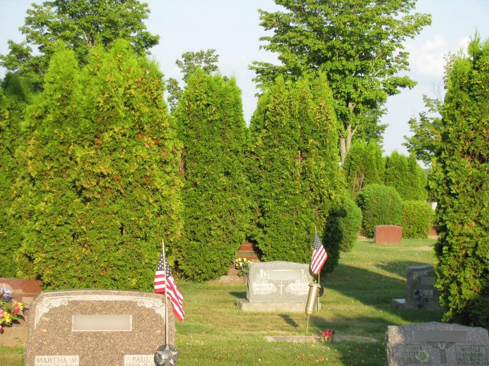 Elmwood Cemetery: W9651 Forrest Ave, Antigo, WI