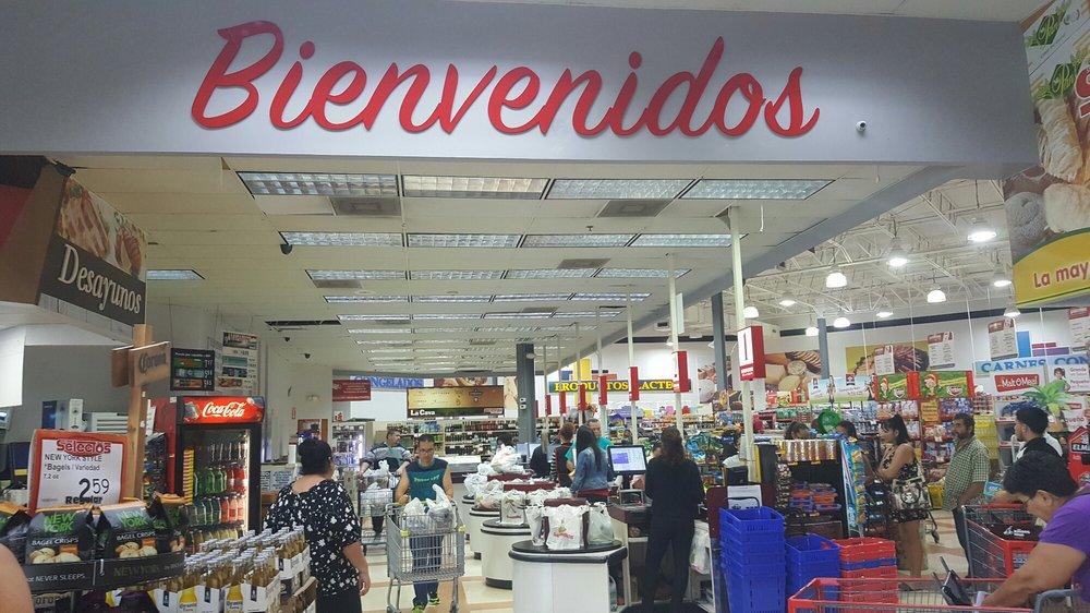 Selectos: Centro Comercial Multi Plaza, Añasco, PR