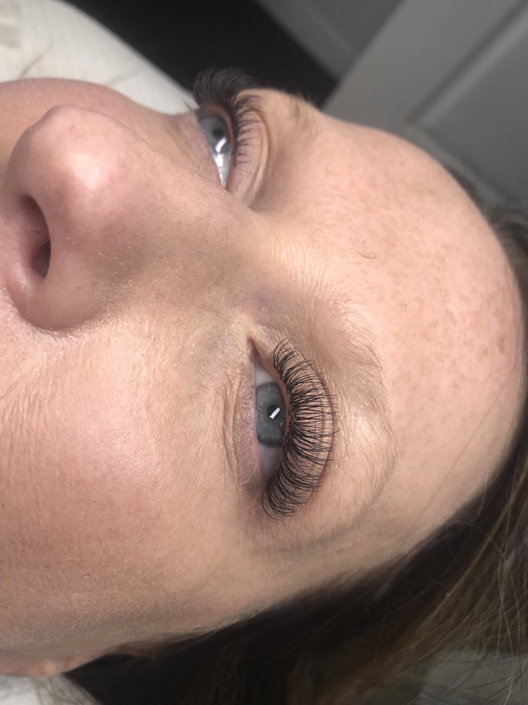 Hybrid Eyelash Extensions A Mix Of Classic And Volume Lashes Yelp