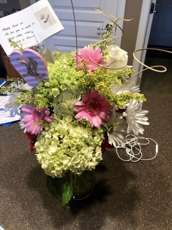 Artistic Florals by Michelle: 10 E Main St, East Dundee, IL