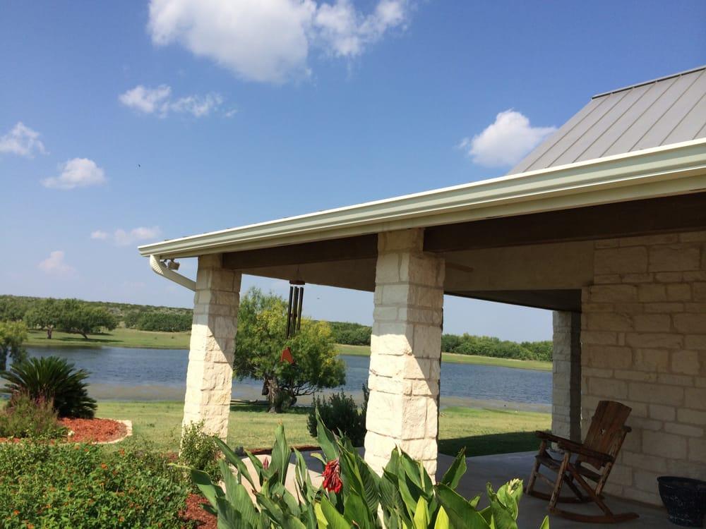Hiebert Gutters LLC: 6 Tanglewood, Uvalde, TX