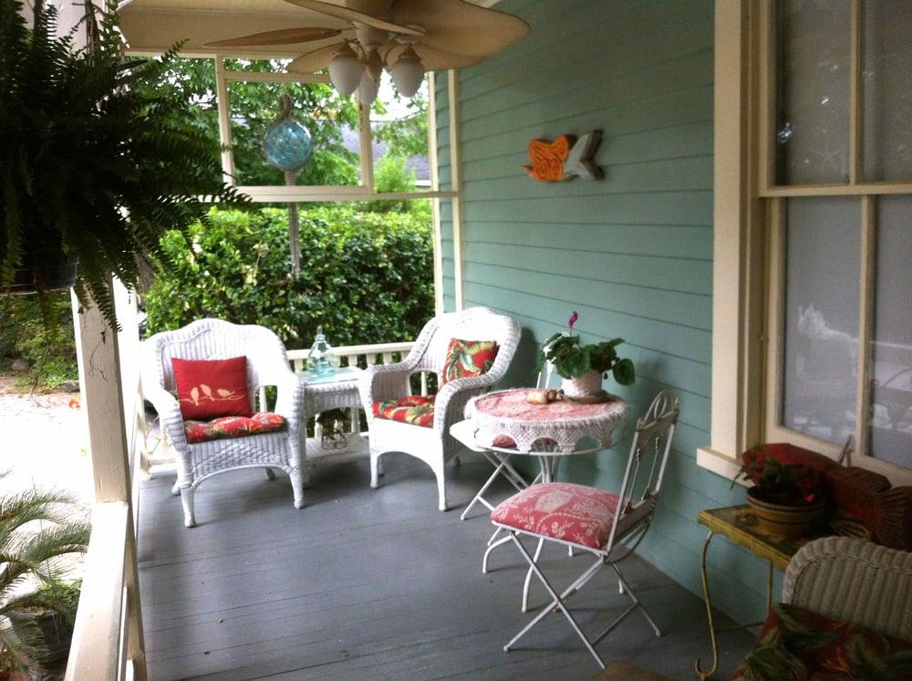 The Moss House: 129 Van Norden St, Washington, NC