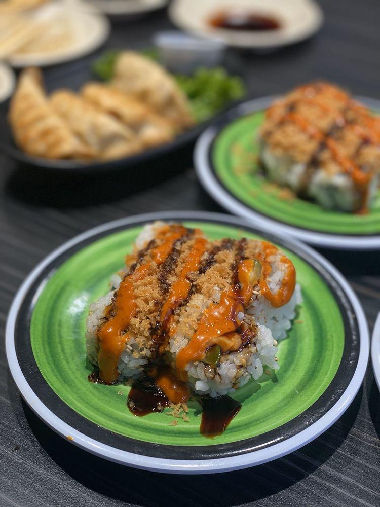 Kura Revolving Sushi Bar: 2151 Lemoine Ave, Fort Lee, NJ