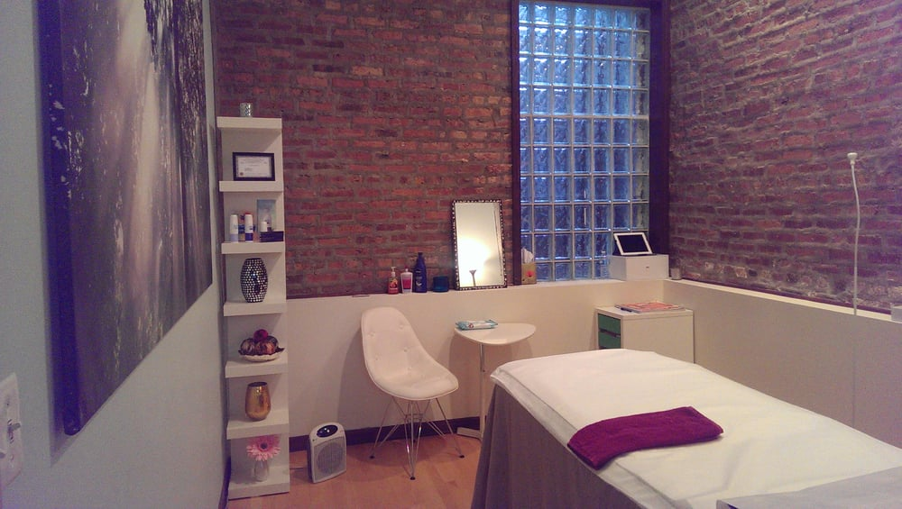 Wax and Relax: 2131 W Division St, Chicago, IL