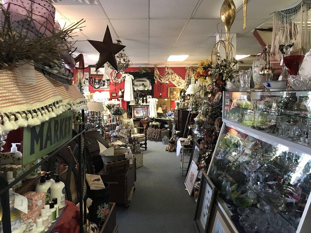 Antique Emporium: 321 Richland Ave, Aiken, SC