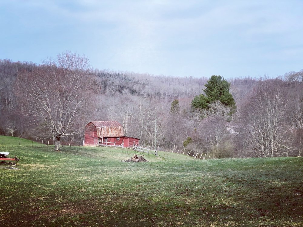 Shinbrier Cottages: 366 Cliffview Rd, Bramwell, WV