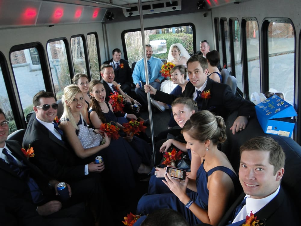 Celebration Limousines & Buses: Columbia, MO