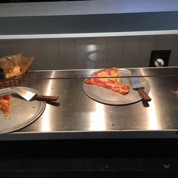 Awesome Photo Of Round Table Pizza Clubhouse   Lake Oswego, OR, United States