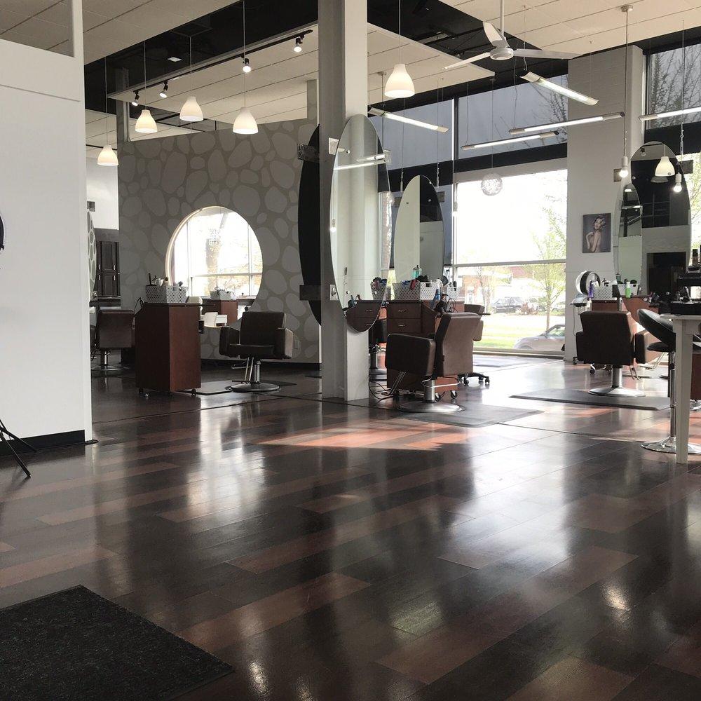 Moods Salon + Spa: 905 3rd St SE, Cedar Rapids, IA